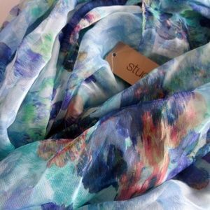 NWT Studio S Floral Infinity Scarf
